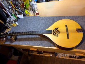 DulciCraft_01_web_Irish-Bouzouki